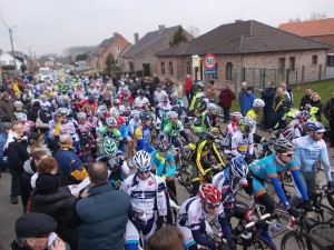 wielerwedstrijd  beloften en elite zonder contract : zondag 3 maart 2013