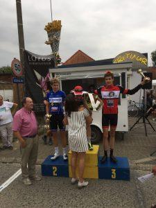 Sfeerfoto's wielerwedstrijd Nieuwelingen woensdag 26 juli 2017